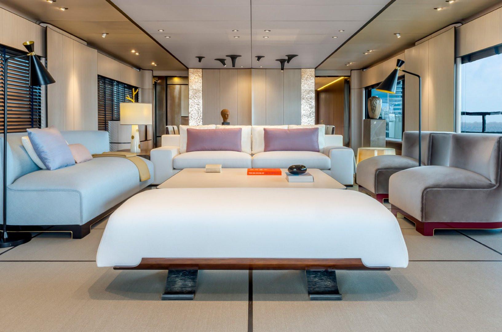 Yacht ENDEAVOUR 2 - saloon