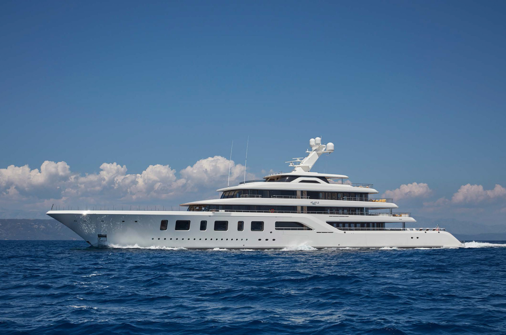 Yacht AQUARIUS - on charter