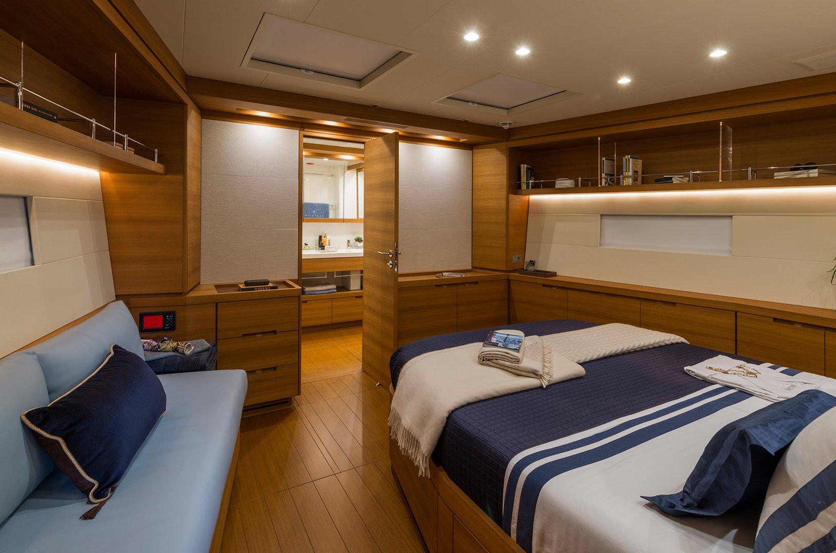 Sailing Yacht FARFALLA - master cabin