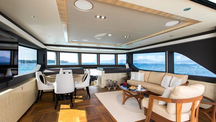 Yacht MIA - bridge deck