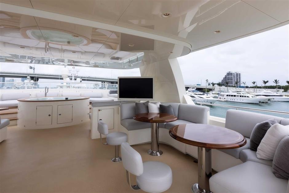 Yacht SAFIRA - sun deck