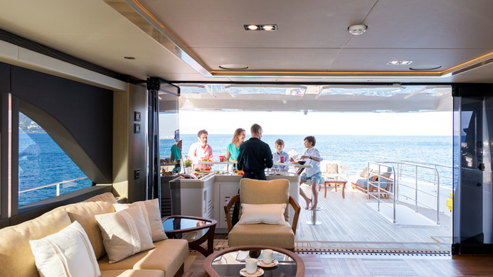 Yacht MIA - indoor / outdoor spaces