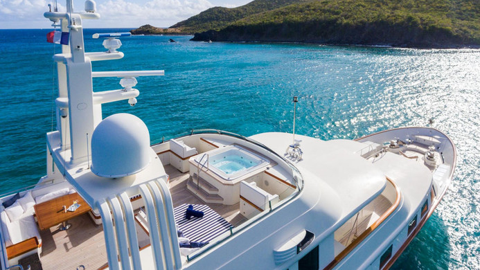 Yacht FABULOUS CHARACTER - at anchor, on charter