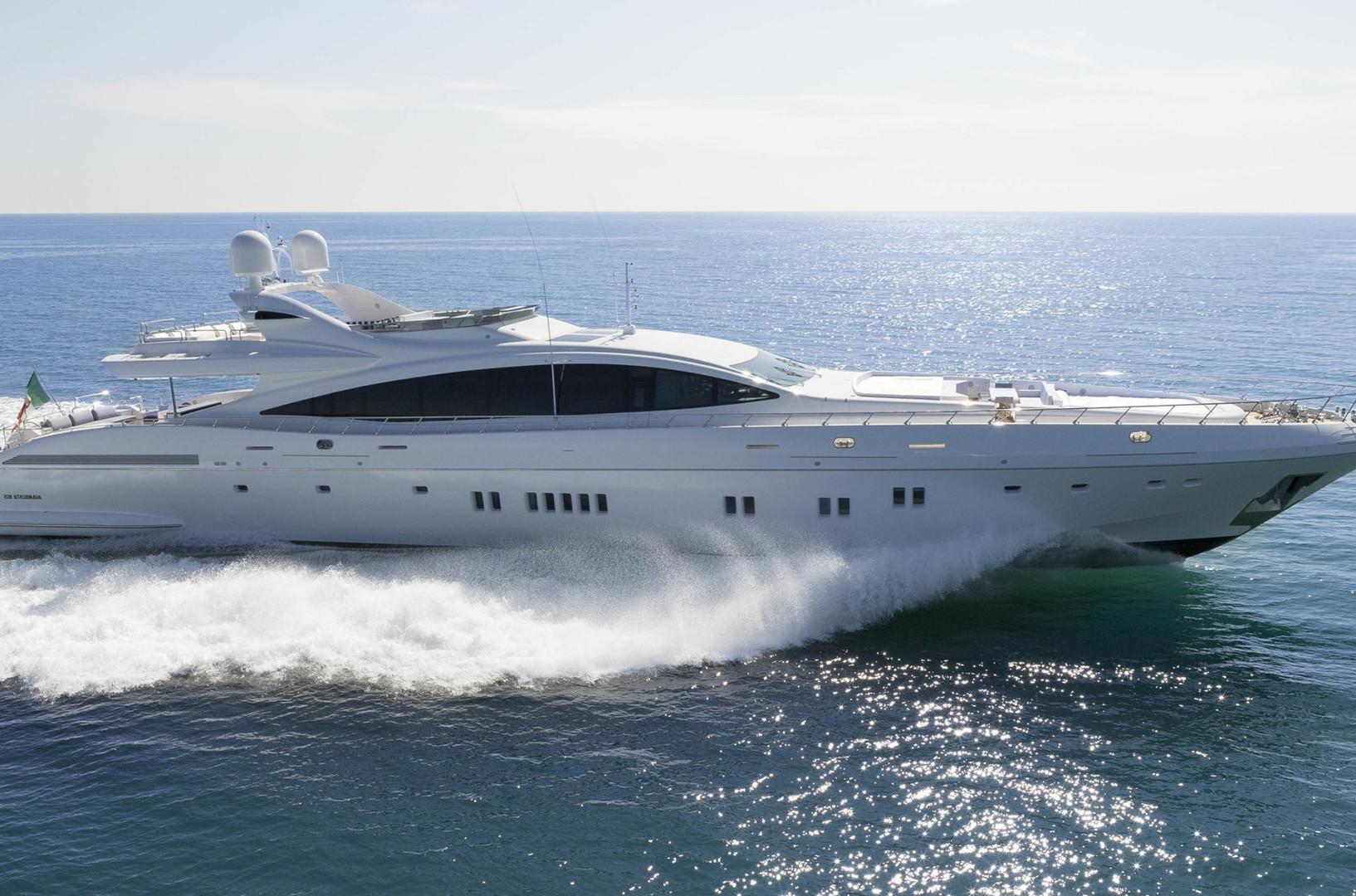 Yacht DA VINCI - 50m Mangusta on charter from Monaco, heading down to St. Tropez