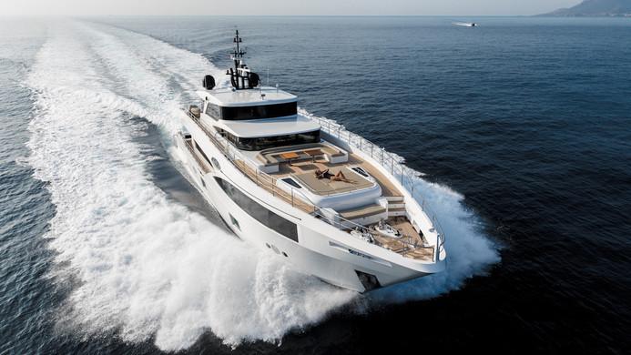 Yacht MIA - on charter between St. Tropez and Monaco