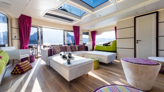 Yacht KHALILAH - sky lounge