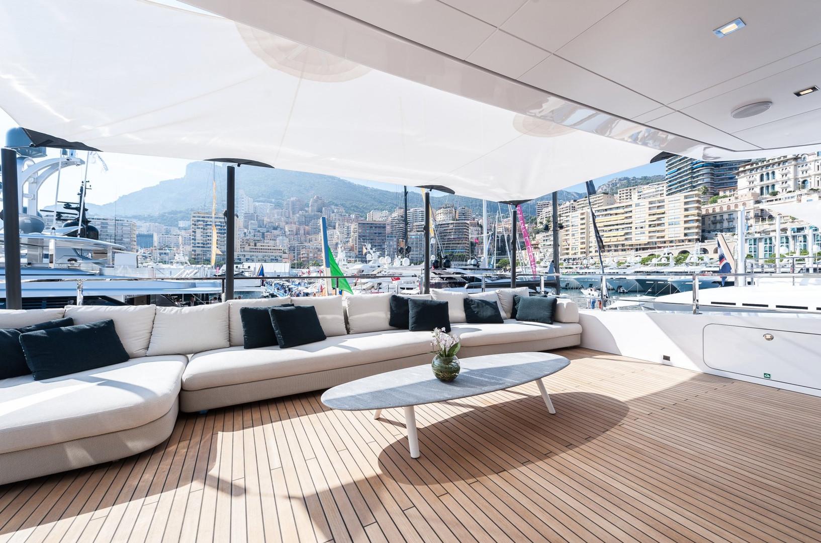 Yacht ENTOURAGE - upper aft deck