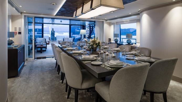 Yacht IRISHA - formal dining