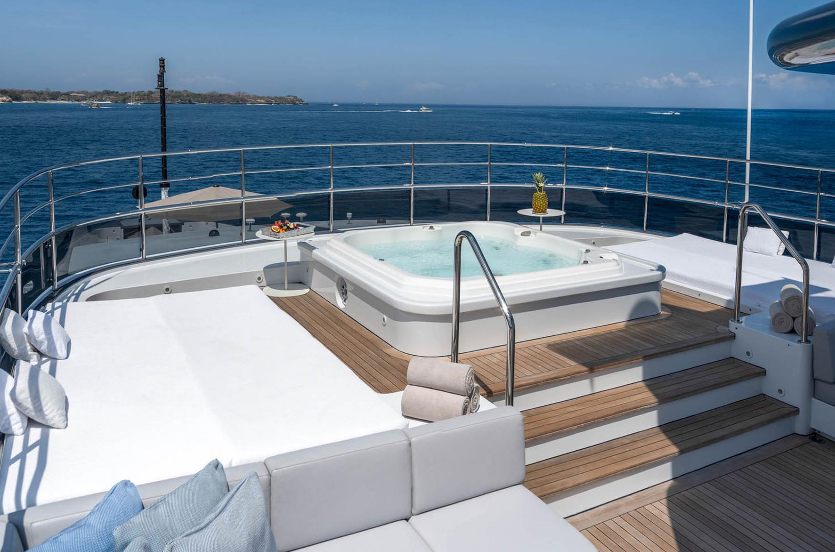 Yacht ATLAS - sundeck