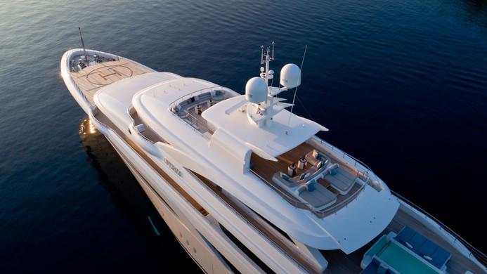 Mega Yacht O'PTASIA - helipad forward