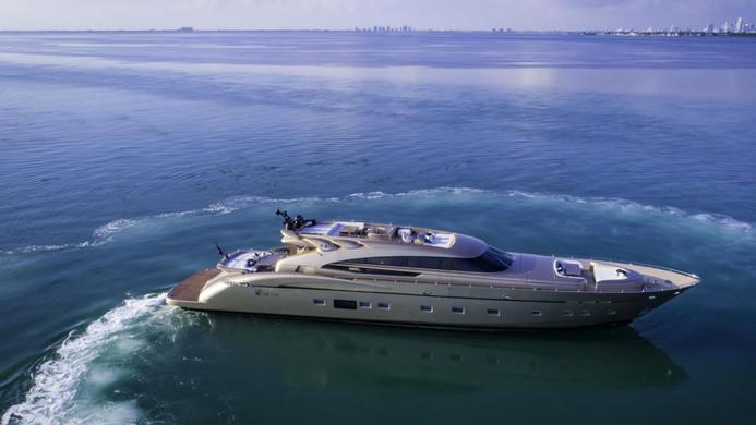 Yacht FIVE WAVES - Bahamas super yacht charter