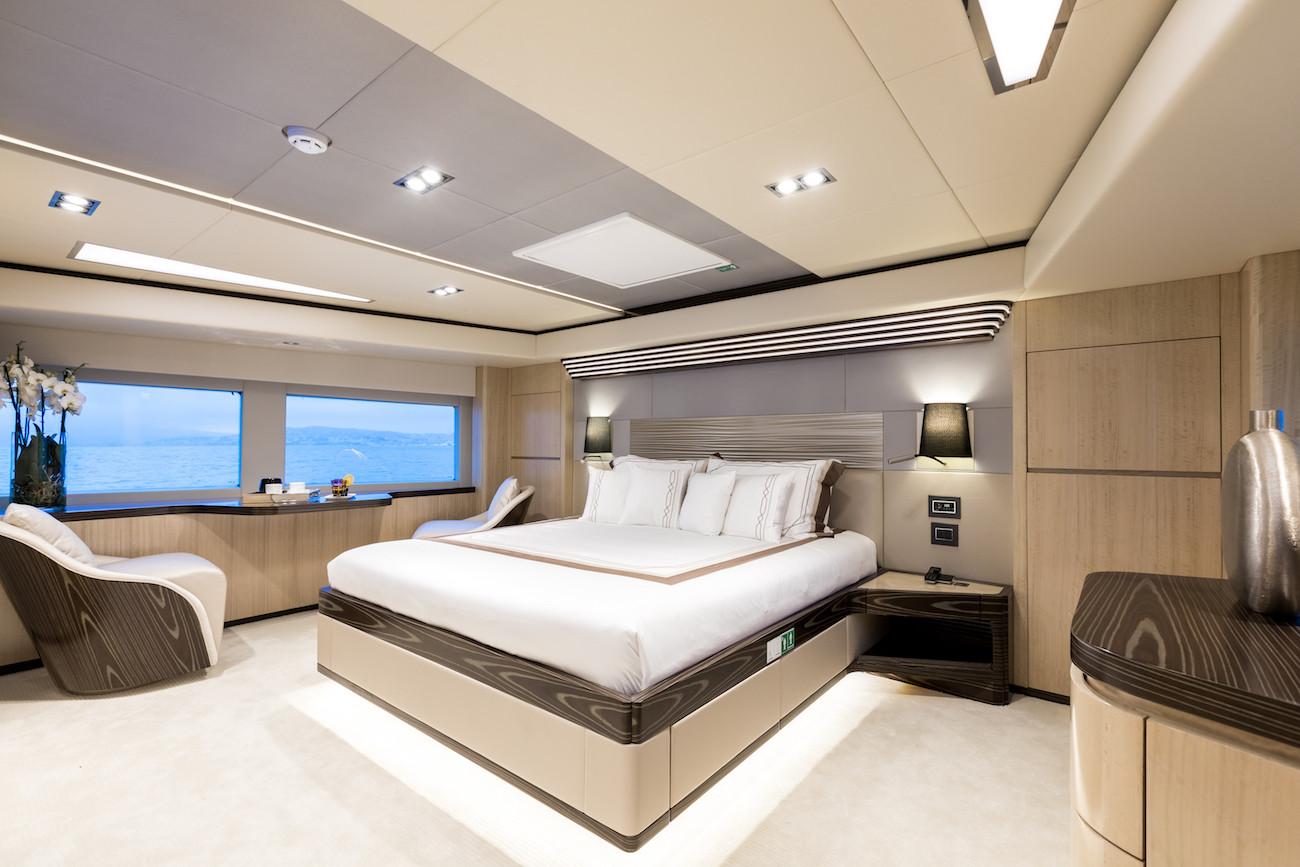 Yacht MIA - master cabin
