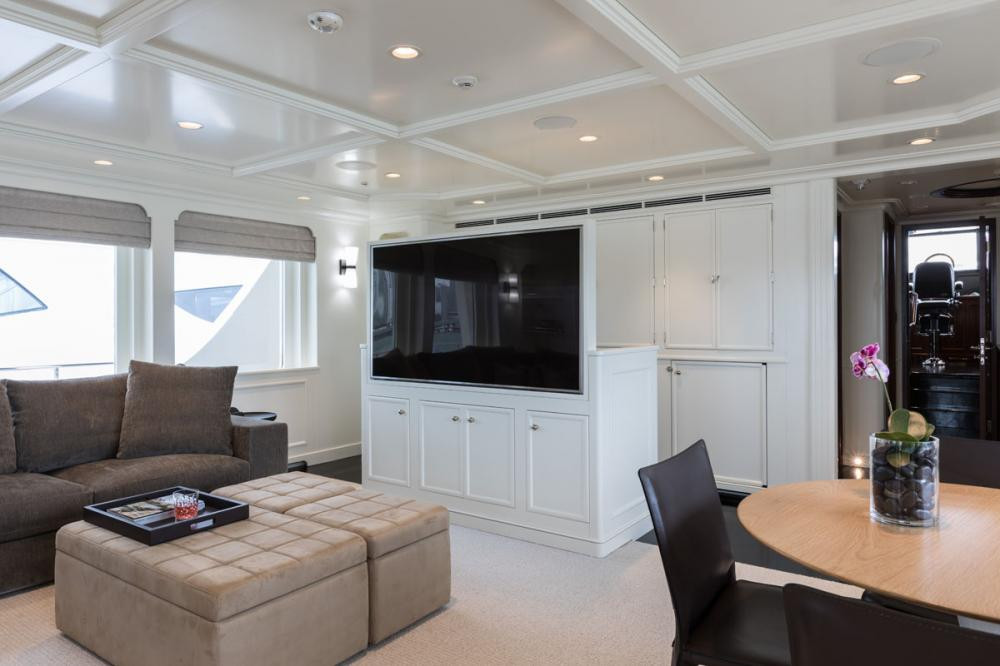 Yacht SAFIRA - bridge deck sky lounge