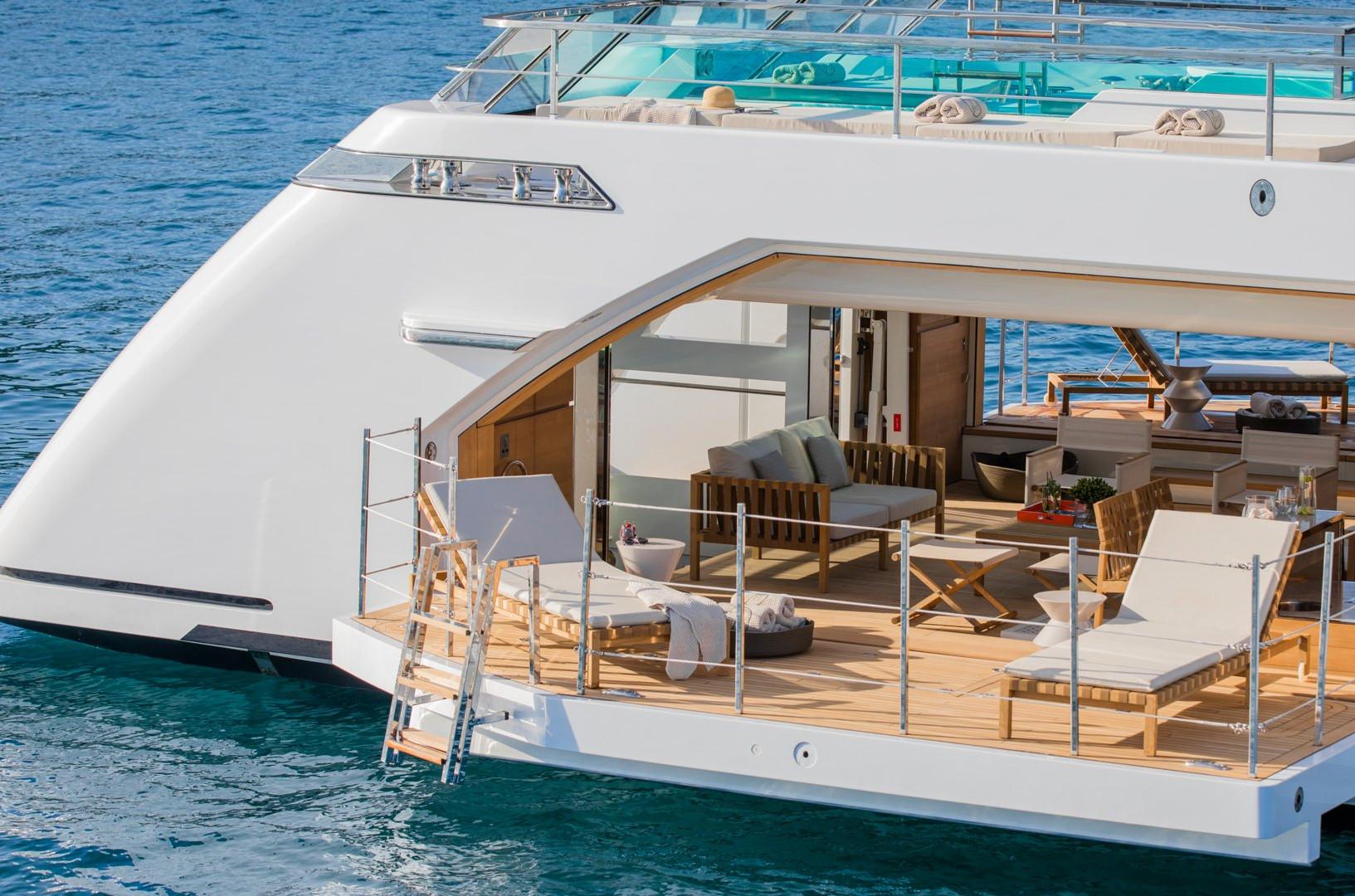 Yacht SEVEN SINS - Beach Club. Fold out terrace onto the sea