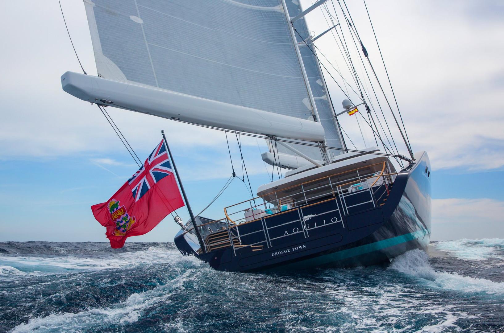 Yacht AQUIJO - underway, full sail