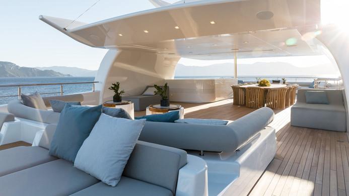 Mega Yacht O'PTASIA - sun deck