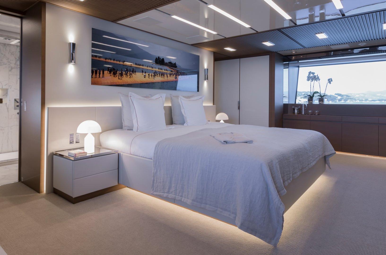 Yacht SEVEN SINS - master cabin