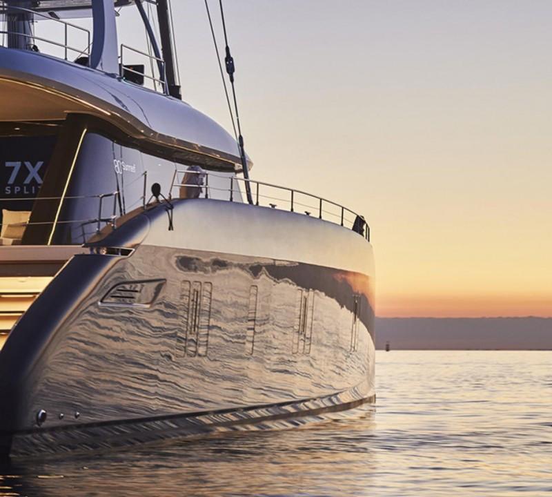 Yacht ABOVE Sunreef 80 - catamaran charter