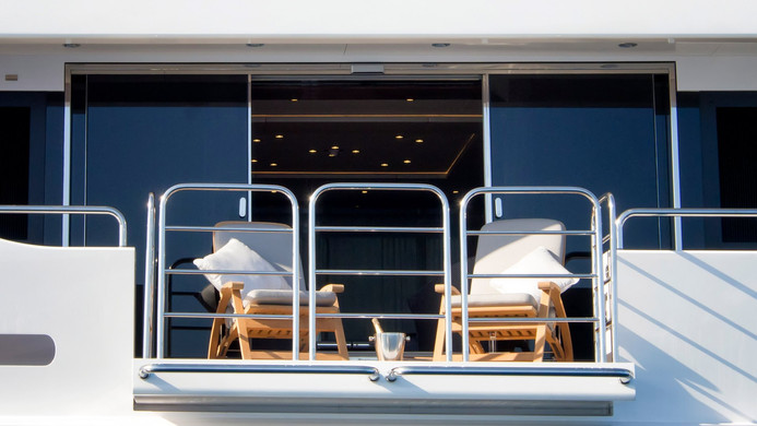Yacht PRINCESS AVK - drop down balcony