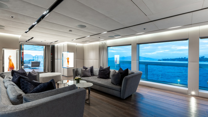Yacht OURANOS - Sky lounge, panoramic views from the interior