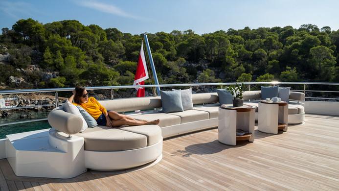 Mega Yacht O'PTASIA - outdoor living
