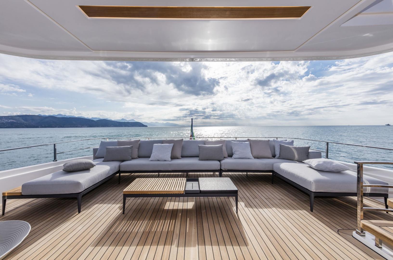 Yacht DECEMBER SIX - Exterior, lounging on bridge deck aft