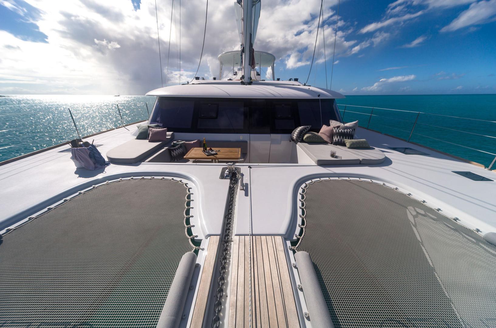 Yacht CALMAO - foredeck seating