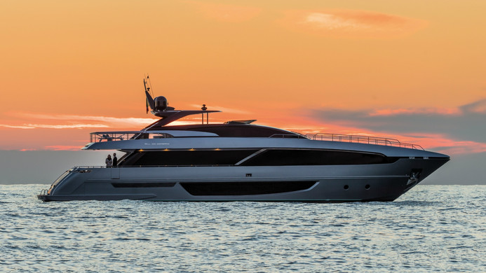 Yacht UNKNOWN - at sunset