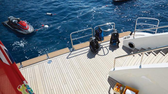 Yacht AQUARIUS - beach club sea deck