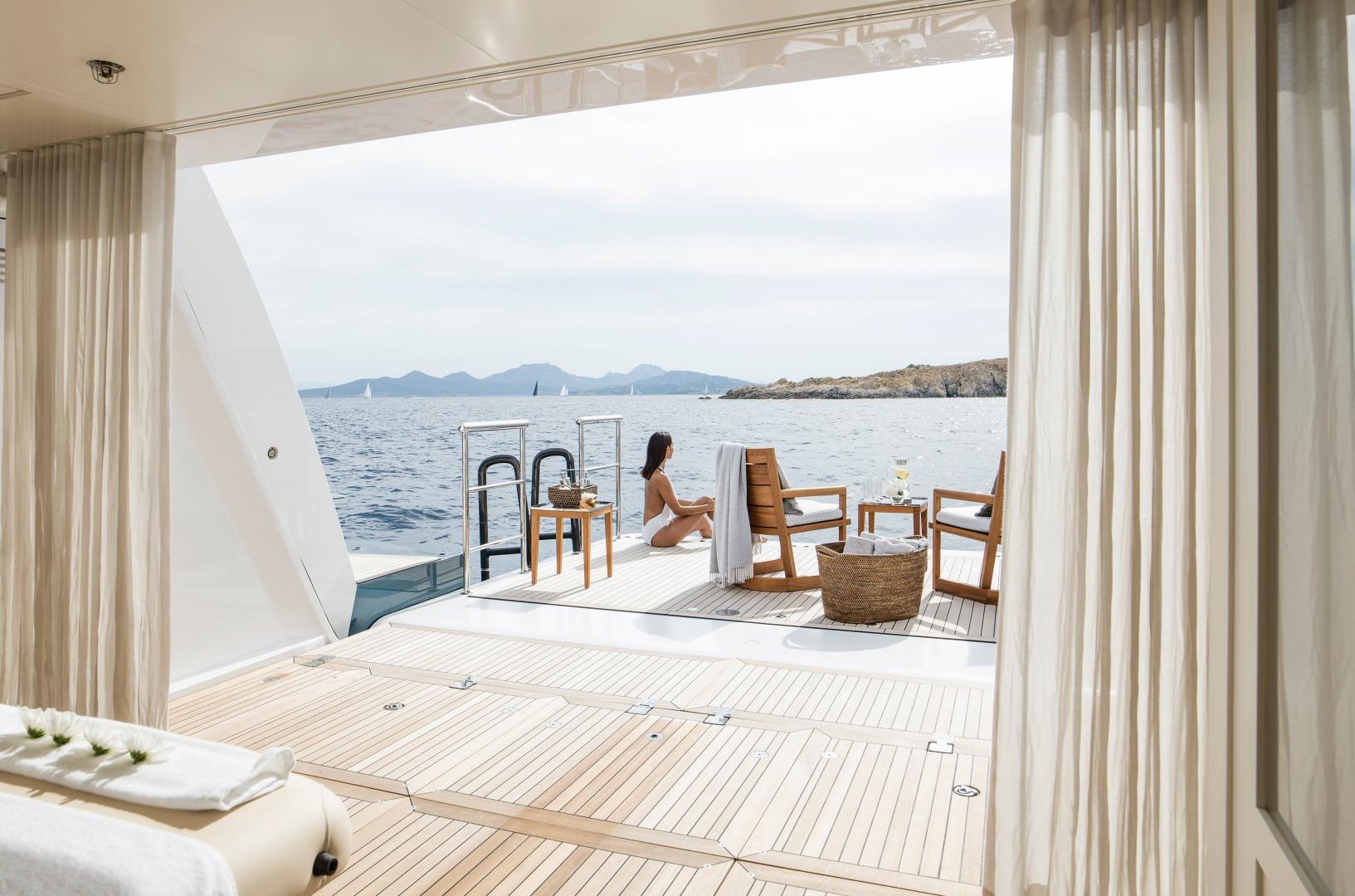 Mega yacht beach club