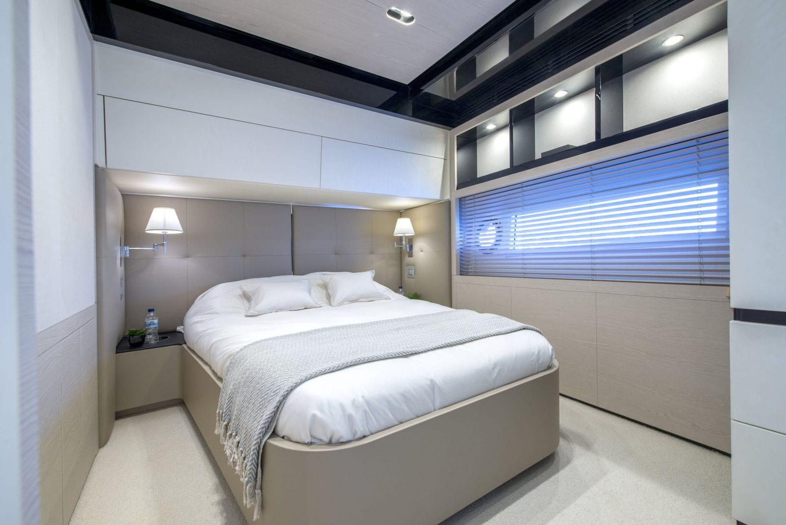 Yacht INVICTUS - guest cabin