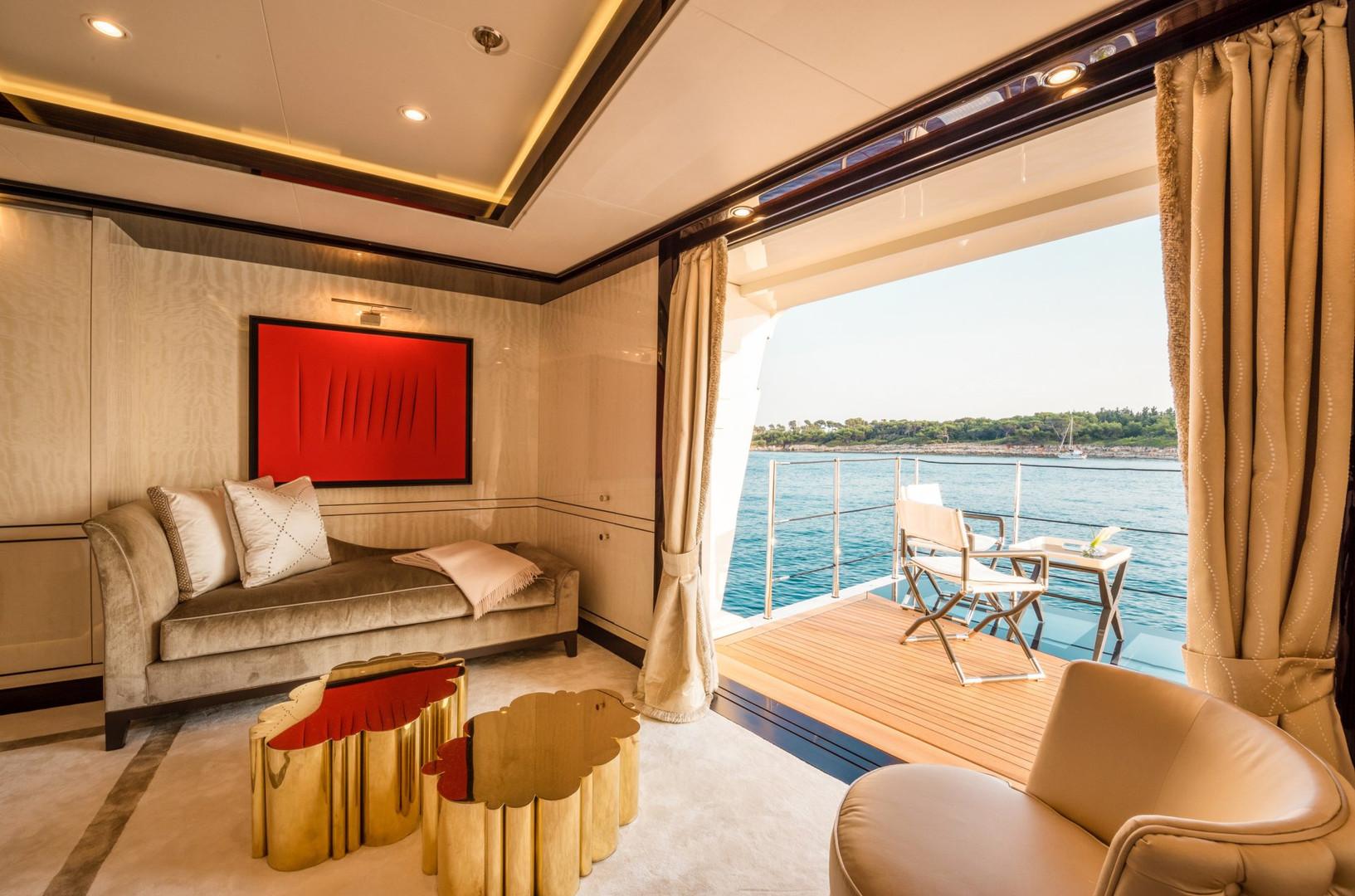 Yacht ELIXIR - Master cabin private balcony