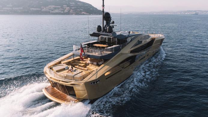 Yacht KHALILAH - underway