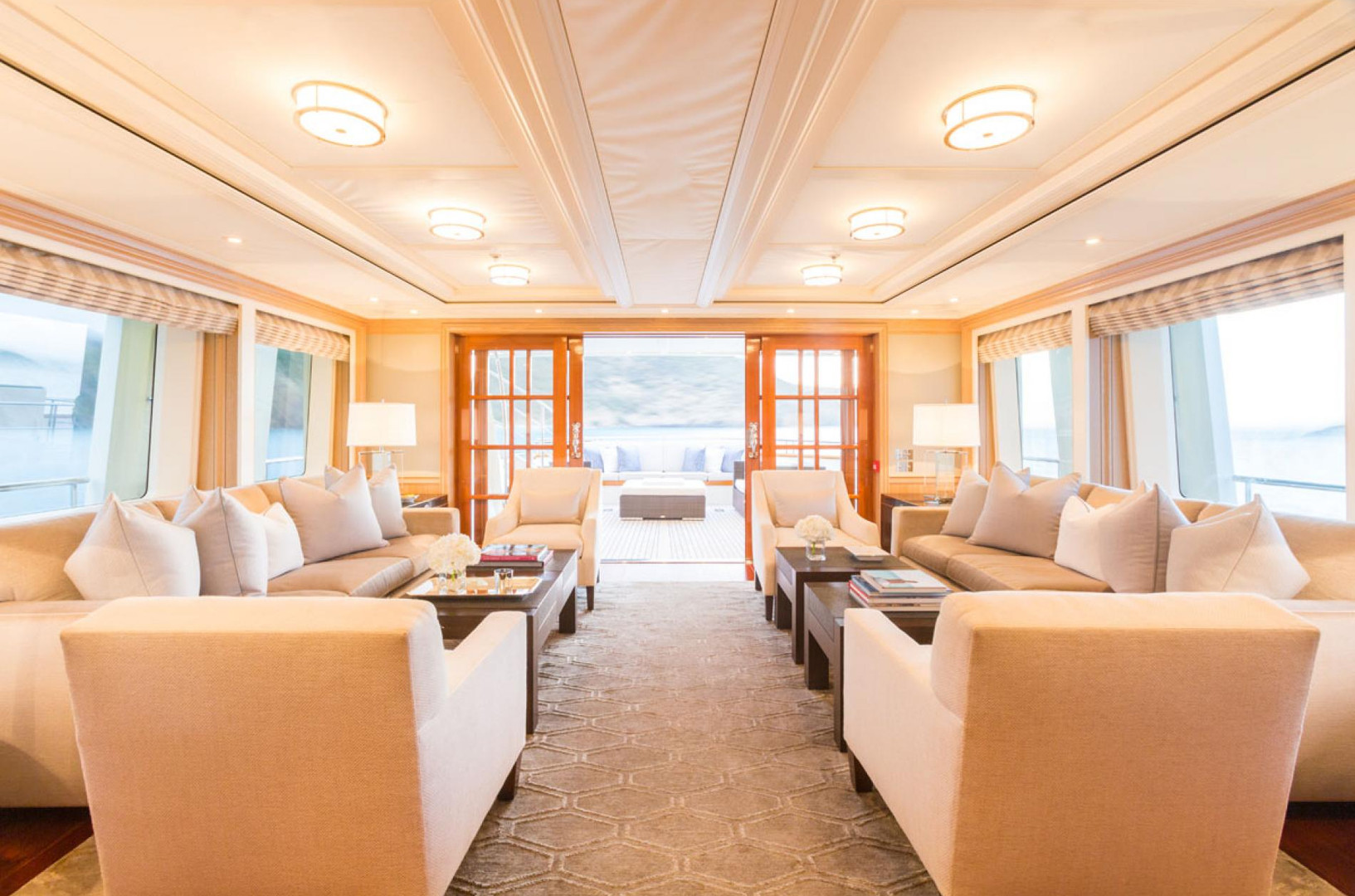 Yacht FABULOUS CHARACTER - main saloon, main deck