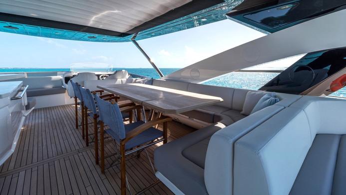 Yacht ENTERPRISE - Sunseeker 86 flybridge Al fresco dining
