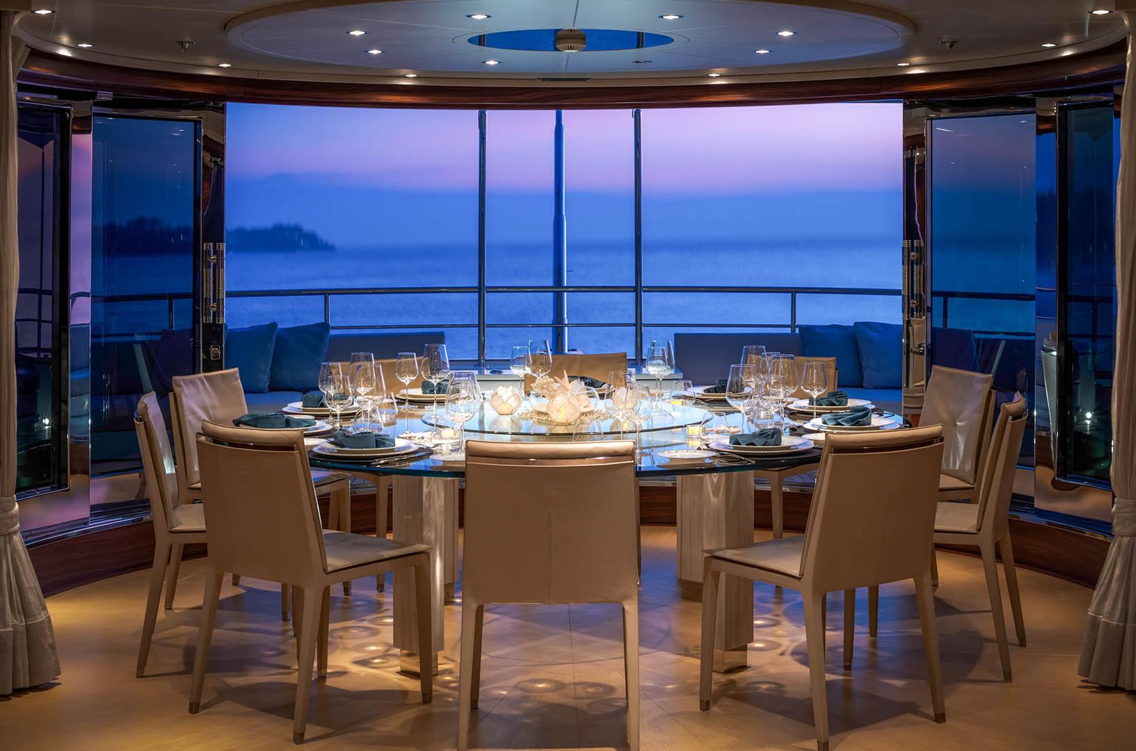 Yacht ATLAS - sky lounge dining