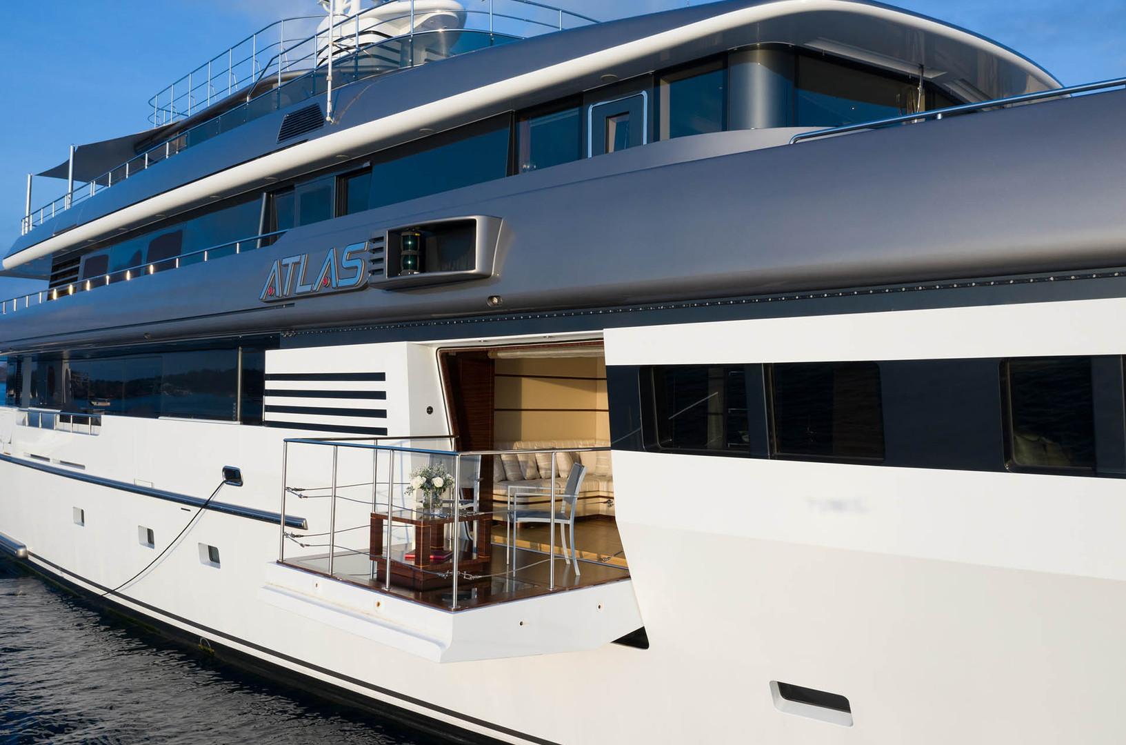 Yacht ATLAS - master suite balcony