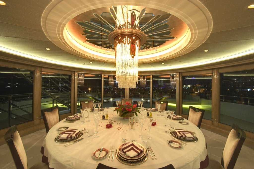 Yacht AMARYLLIS - formal dinning experience