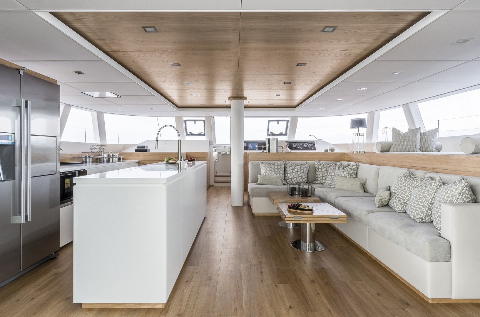 Yacht CALMAO - saloon