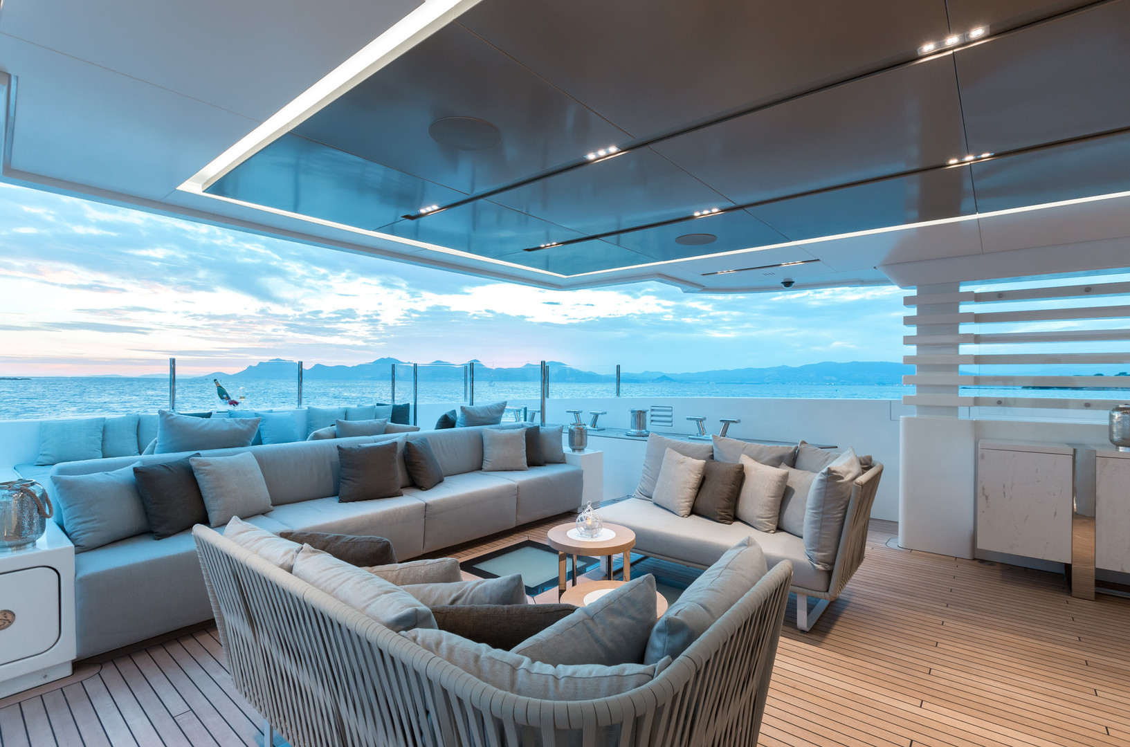 Yacht OURANOS - deck lounging