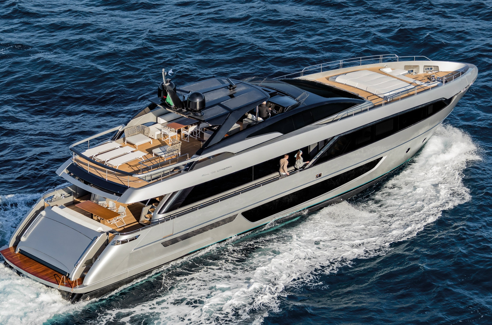 Yacht UNKNOWN - Riva Corsaro 100 for charter