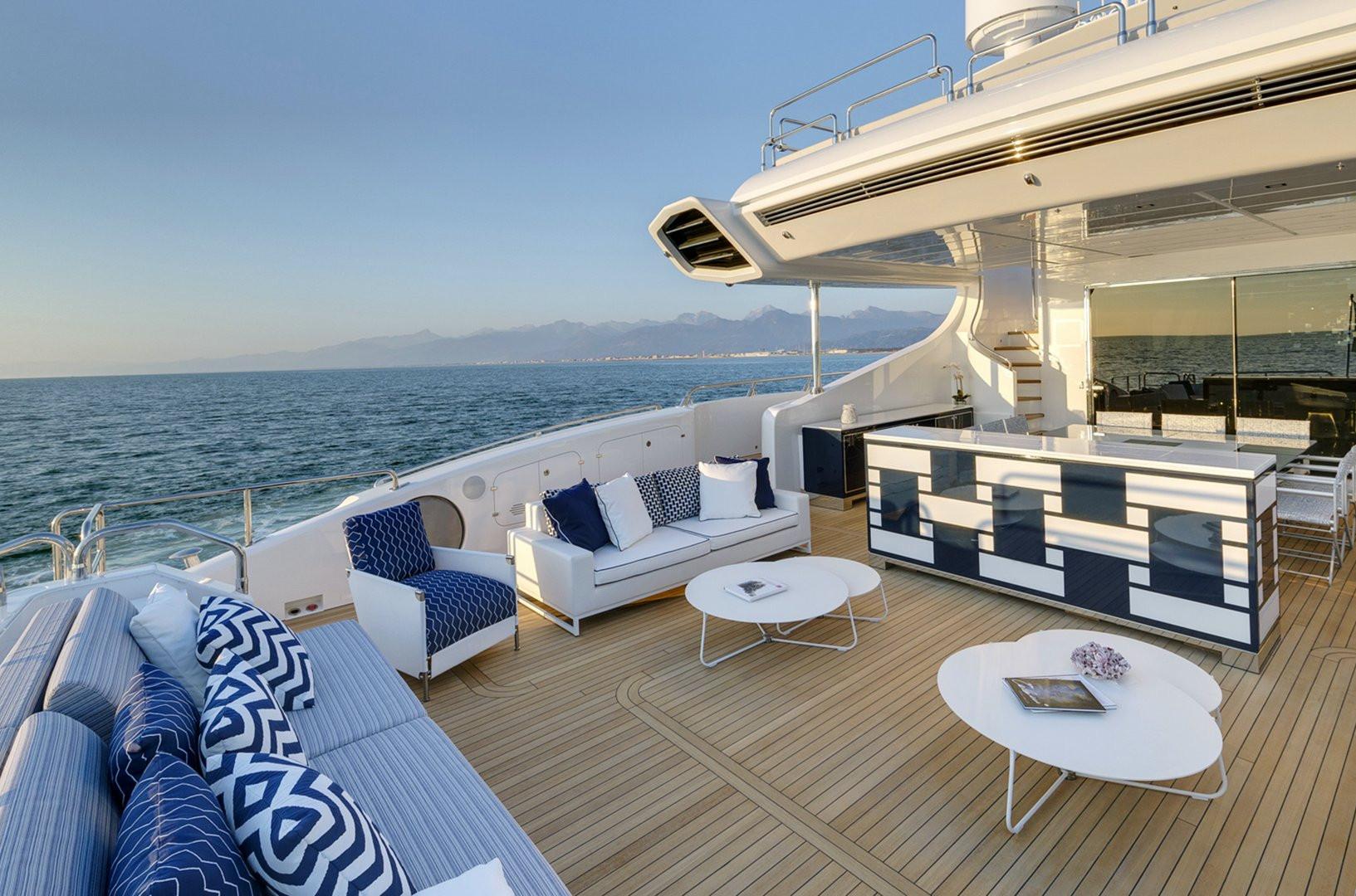 Yacht DA VINCI - aft terrace