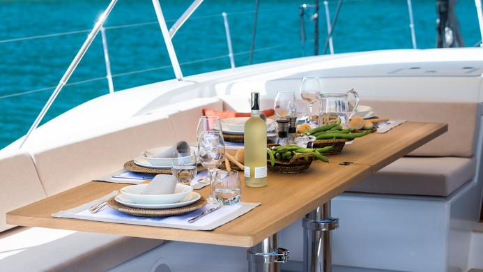 Sailing Yacht CROSSBOW - Al fresoc dining