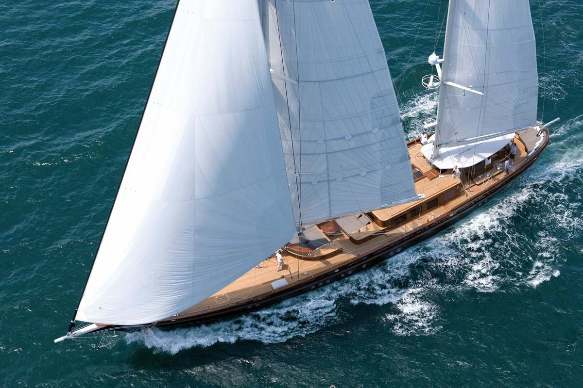Yacht ROXANE - under full sail