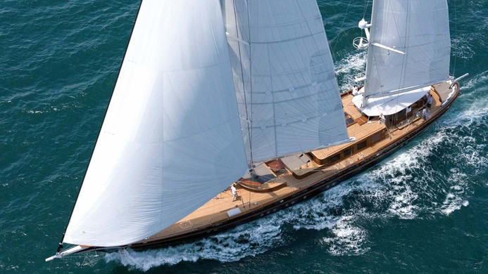 Yacht ROXANE - under full sail