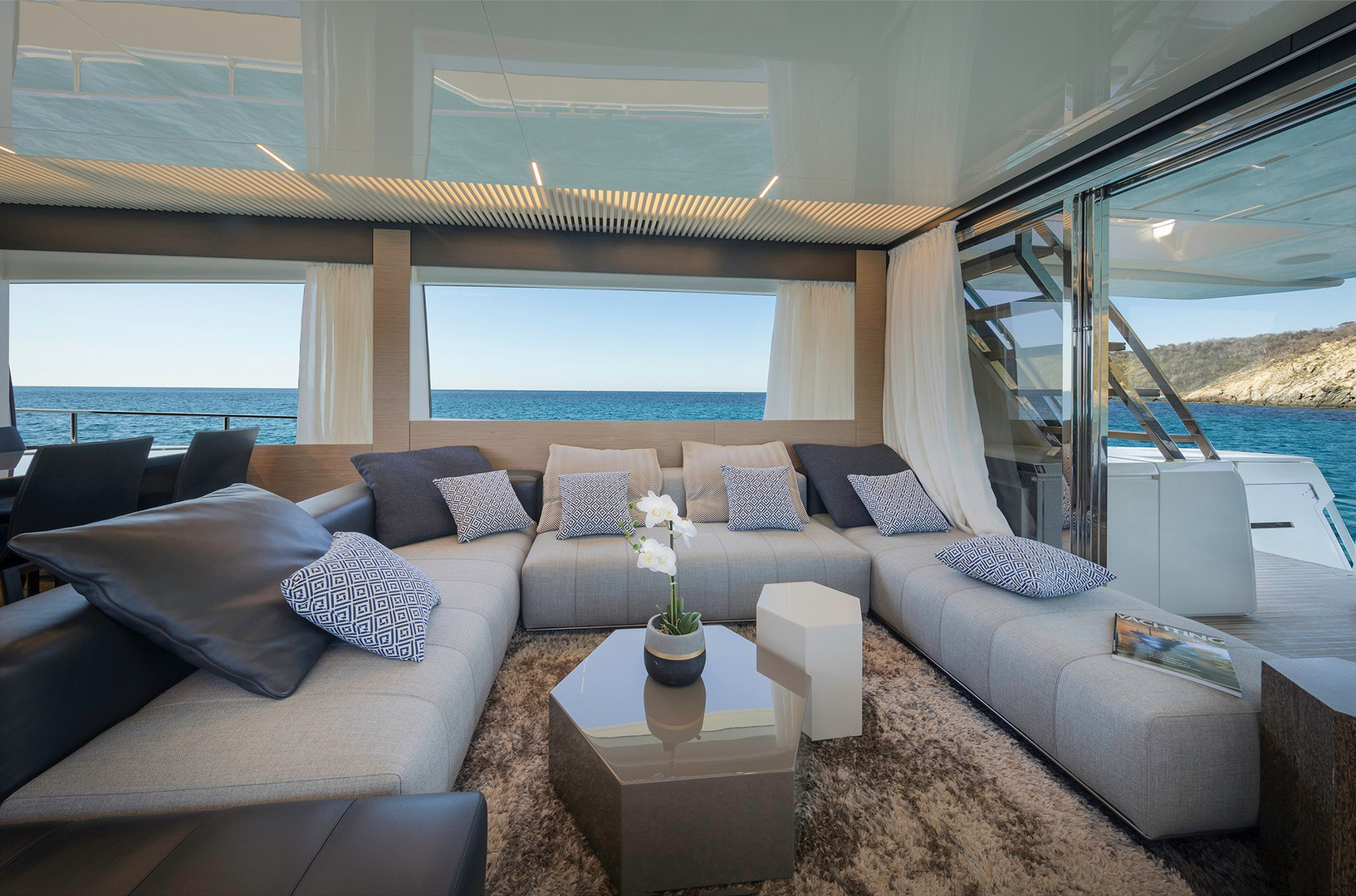 Yacht EPIC - saloon, typical Ferretti Italian sleek styling throughout the interior