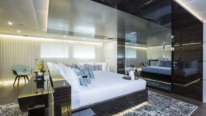Yacht ENTOURAGE - master suite