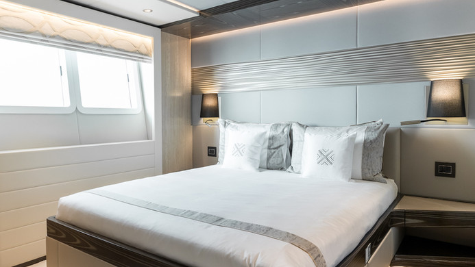 Yacht MIA - guest cabin