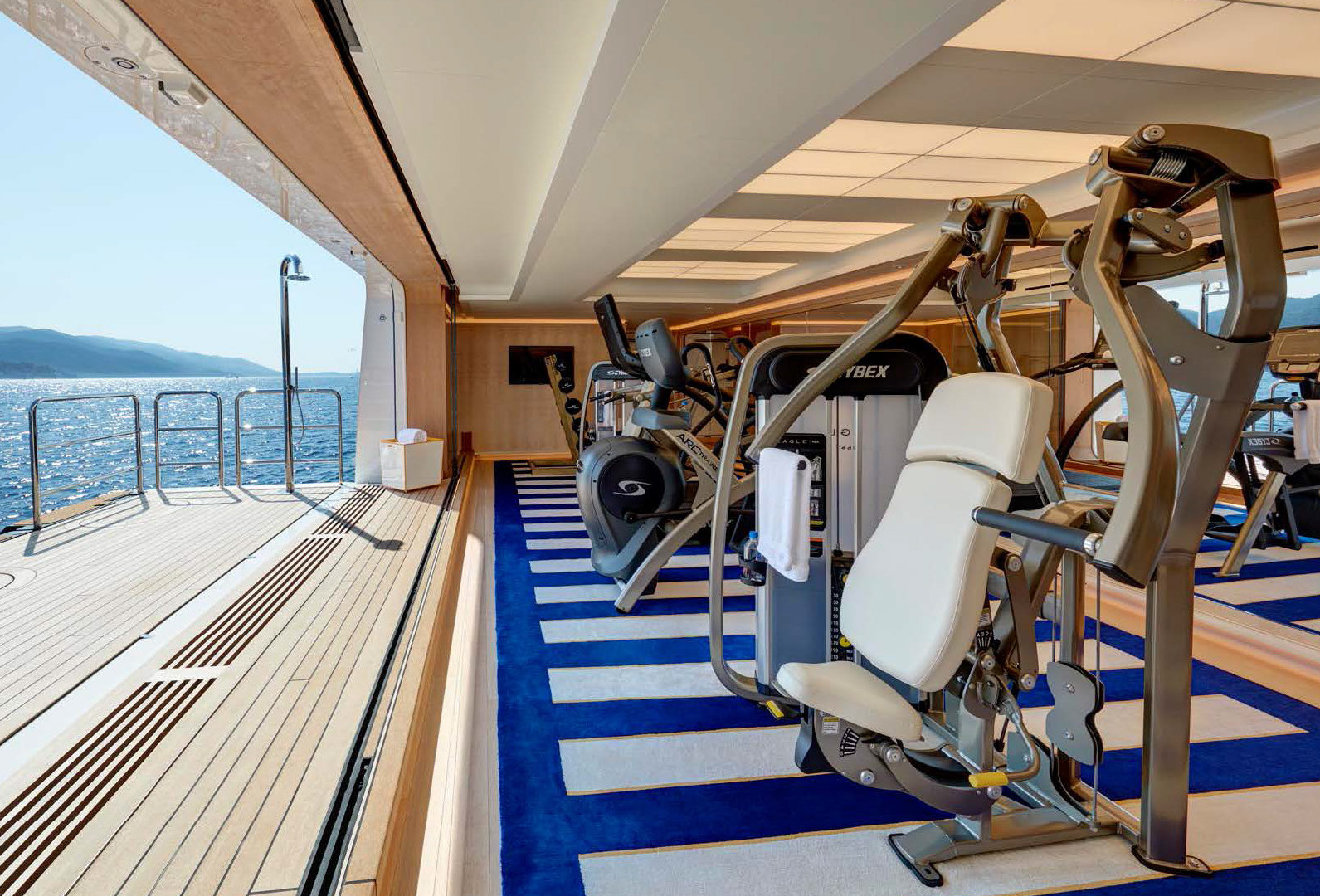 Yacht AQUARIUS - sea level gym, true open air workout with sea views!