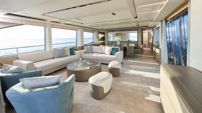 Yacht HALLELUJAH - saloon